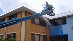 Building_Washing_With_Boom
